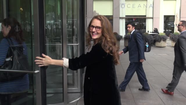vídeos de stock, filmes e b-roll de melissa leo at siriusxm satellite radio on september 24, 2014 in new york city. - melissa leo