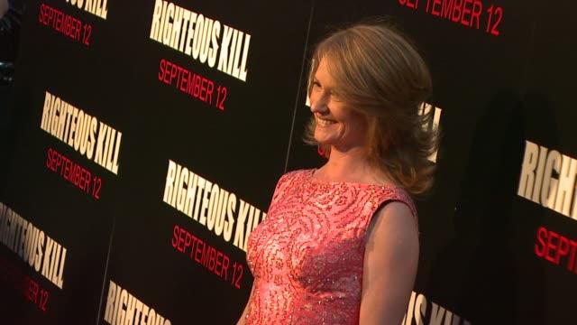 vídeos de stock, filmes e b-roll de melissa leo at the premiere of righteous kill at new york ny. - melissa leo