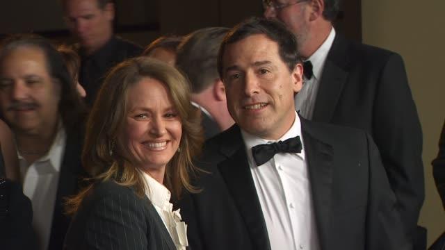 vídeos de stock, filmes e b-roll de melissa leo, david o. russell at the 63rd annual directors guild of america awards at hollywood ca. - melissa leo