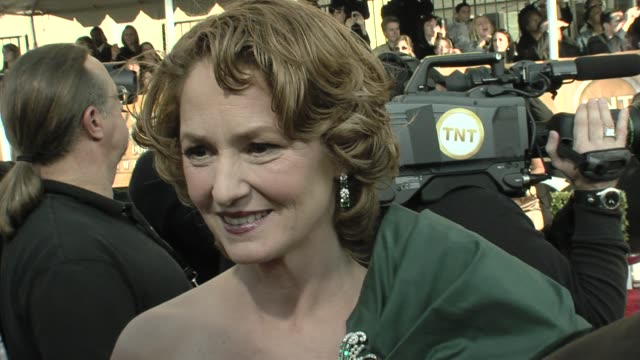 vídeos de stock, filmes e b-roll de melissa leo on being nominated for frozen river on the sag awards at the 15th annual screen actors guild awards part 6 at los angeles ca - melissa leo