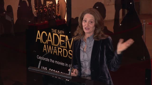 vídeos de stock, filmes e b-roll de melissa leo talks about the power of the oscar statuette as an icon at 84th annual academy awards 'meet the oscars' at new yorks grand central... - melissa leo