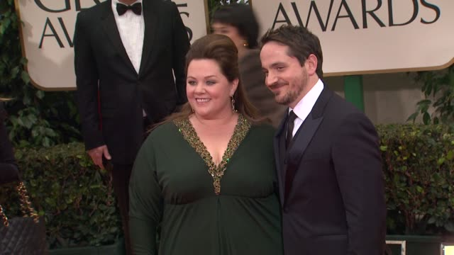 melissa mccarthy at 69th annual golden globe awards - arrivals on january 15, 2012 in beverly hills, california - メリッサ・マッカーシー点の映像素材/bロール
