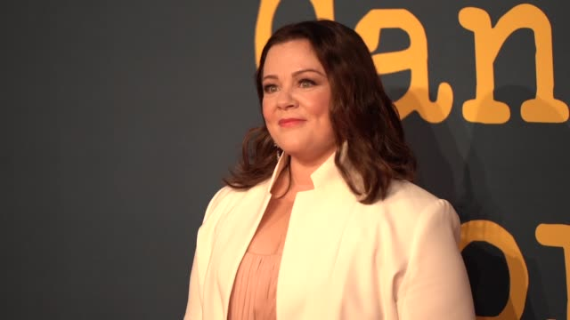 melissa mccarthy at 'can you ever forgive me?' uk premiere - 62nd bfi london film festival on october 18, 2018 in london, england. - メリッサ・マッカーシー点の映像素材/bロール