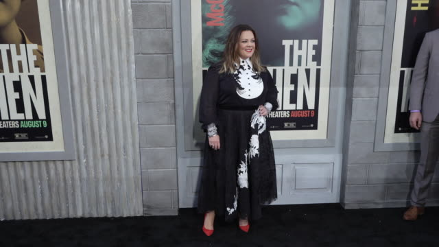 """melissa mccarthy at the world premiere of """"the kitchen"""" at tcl chinese theatre on august 05, 2019 in hollywood, california. - メリッサ・マッカーシー点の映像素材/bロール"""