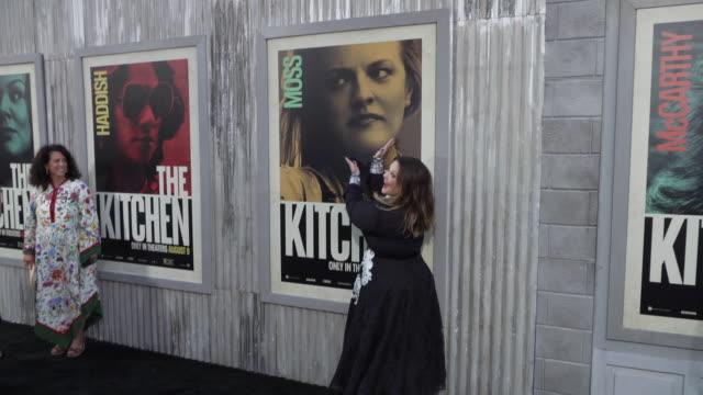 "melissa mccarthy at the world premiere of ""the kitchen"" - メリッサ・マッカーシー点の映像素材/bロール"