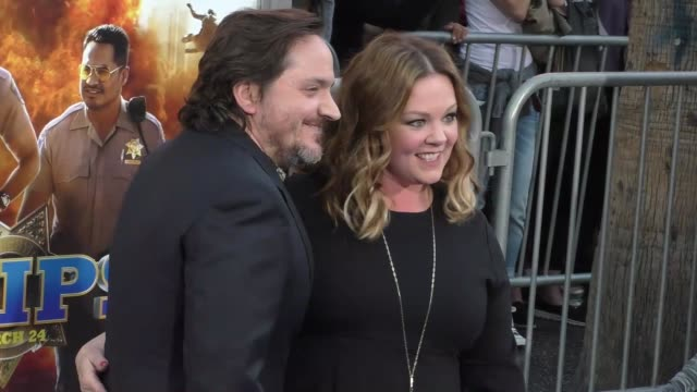 "melissa mccarthy & ben falcone at the ""chips"" los angeles premiere at tcl chinese theatre on march 20, 2017 in hollywood, california. - tcl chinese theatre stock videos & royalty-free footage"