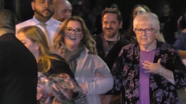 stockvideo's en b-roll-footage met melissa mccarthy leaves jimmy kimmel live at el capitan theater in hollywood in celebrity sightings in los angeles - el capitan theater
