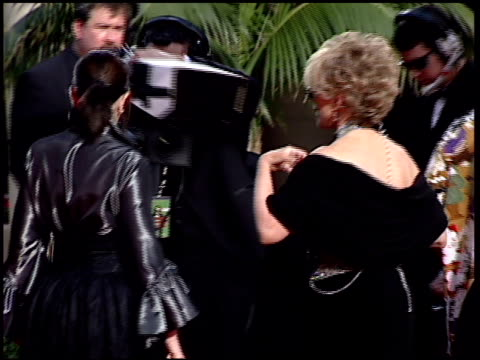 stockvideo's en b-roll-footage met melissa rivers at the 2001 golden globe awards at the beverly hilton in beverly hills california on january 21 2001 - beverly hilton hotel