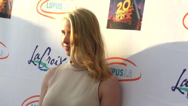 melissa schuman at the lupus la orange ball a night of superheroes at fox studios in los angeles at celebrity sightings in los angeles on may 07 2016... - lupus la orange ball video stock e b–roll