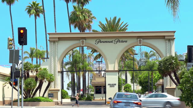melrose gate entrance to paramount pictures movie studios a film and television production company in los angeles, california, 4k - actor stock videos & royalty-free footage
