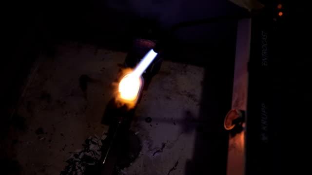 melting metal  with bunsen burner - bunsen burner stock videos & royalty-free footage