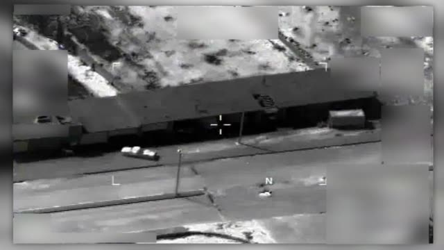 a member of isis fails at launching a uav in tabqah syria march 30 2017 - 無人航空機点の映像素材/bロール