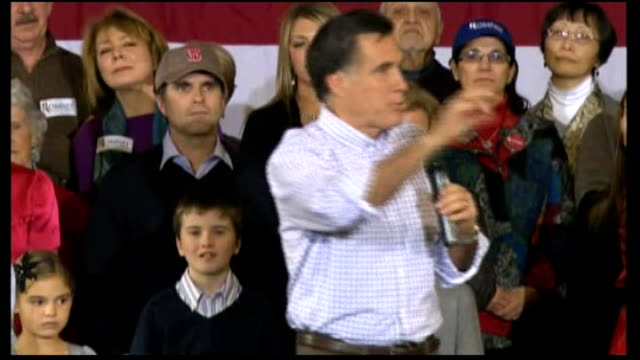 vídeos de stock e filmes b-roll de members of romney's family watching, including wife ann mitt romney speaking sot - what a welcome, i can't get over this, thank you for being here... - pie humano