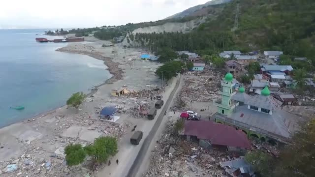 members of the humanitarian relief foundation an istanbulbased aid agency humanitarian aid supplies in the quakehit palu city central sulawesi... - earthquake stock videos & royalty-free footage