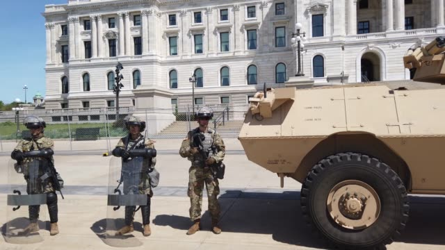 vídeos de stock e filmes b-roll de members of the minnesota national guard the state capital building as unrest continues in the city and around the country following the may 25, death... - saint paul minnesota