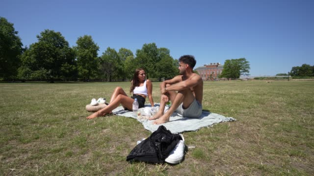 members of the public enjoy the heat in hyde park as the uk a summer heatwave on july 31, 2020 in london, england. - heat stock videos & royalty-free footage