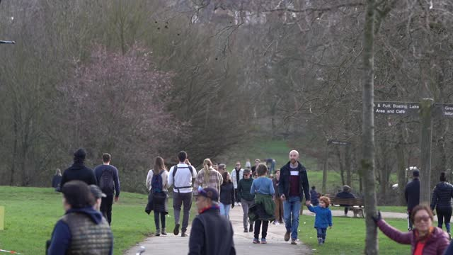 members of the public flock the park to enjoy the sun during lockdown on february 22, 2021 in london, england at alexandra palace. - springtime stock videos & royalty-free footage