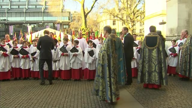 vídeos y material grabado en eventos de stock de members of the royal family leaving commonwealth day service at westminster abbey prince william duke of cambridge and catherine duchess of cambridge... - william boyd