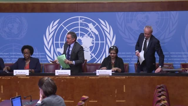 stockvideo's en b-roll-footage met members of the un commission of investigation says there is evidence israel committed serious violations of human rights in responding to last year's... - verenigde naties