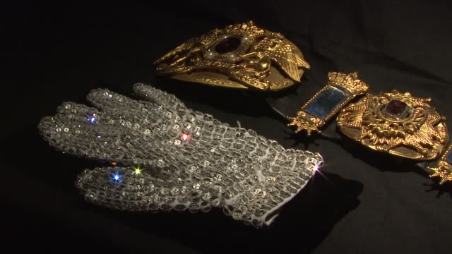 Memorabilia to be auctioned off at the Juliens Auctions and Hard Rock Caf Preview Michael Jackson Auction It at New York NY