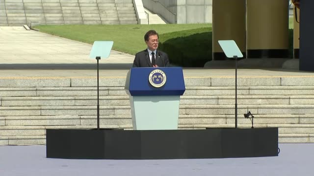 Memorial Day remembers those killed in Korean War as hopes rise of formal end to the conflict SOUTH KOREA Daejeon EXT President Moon Jaein stood at...