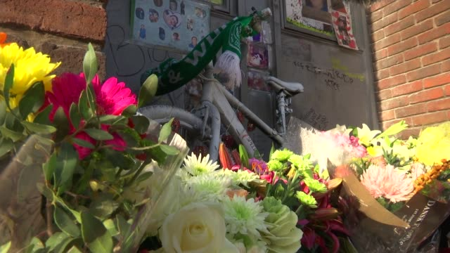 memorial for murdered teenager vandalised michelle watson interview sot cutaways bicycle and flowers at memorial to alan cartwright cherrie smith... - 殺人被害者点の映像素材/bロール