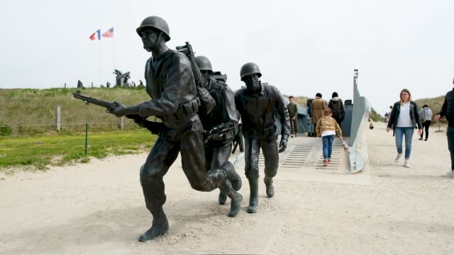 vidéos et rushes de memorial higgins at utah beach in normandy on may 2 2019 near saintemariedumont france june 6 will mark the 75th anniversary of the dday invasion in... - normandie
