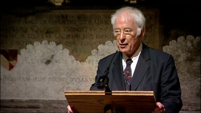 vídeos de stock, filmes e b-roll de memorial to poet ted hughes unveiled in westminster abbey heaney along to lectern seamus heaney speech sot reads from his translation of 'beowulf' /... - self discipline