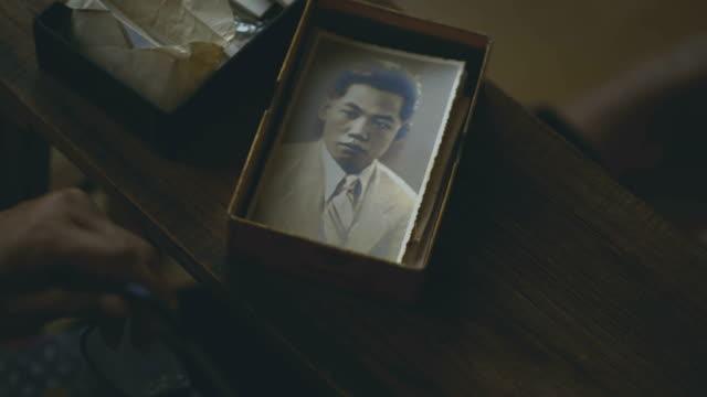 vídeos de stock e filmes b-roll de memories - pai da noiva
