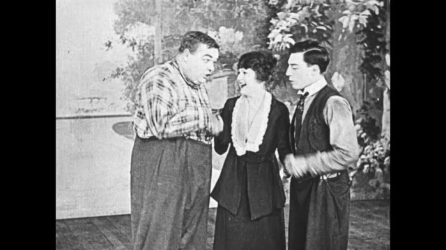 1919 Men (Buster Keaton & Fatty Arbuckle) are at a loss after the strongman, the dancer, and other cast members quit the show, but the strongman's assistant (Molly Malone) comes to them with an idea