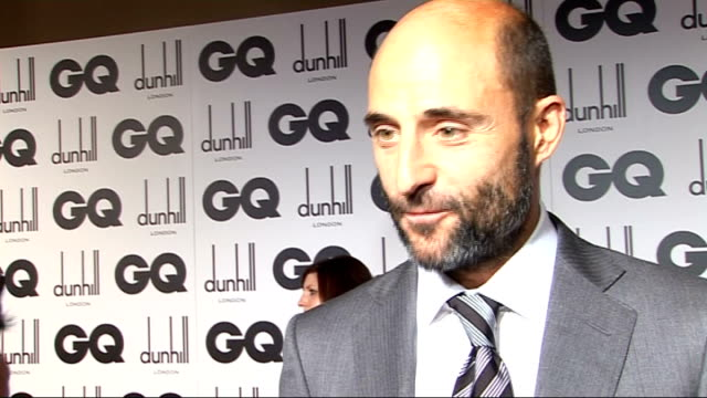 GQ Men of the Year awards 2009 Mark Strong interview SOT Enjoys wearing Alfred Dunhill suit / On filming Sherlock Holmes movie / Rumours Brad Pitt...