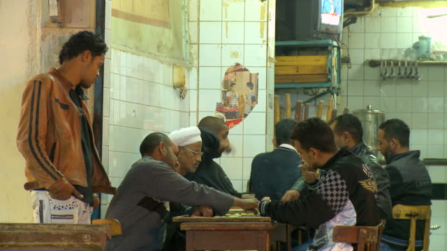 MS Men playing backgammon at cafe / Hurghada, Red Sea coast, Egypt