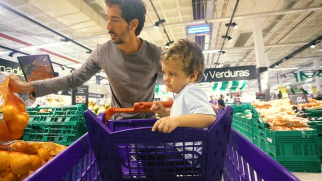 men shopping - silvestre stock videos & royalty-free footage