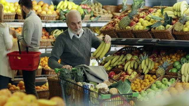 men shopping - tropical fruit stock videos & royalty-free footage
