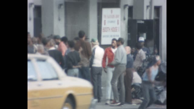 1985 nyc - men standing in line outside the salvation army - lower east side bildbanksvideor och videomaterial från bakom kulisserna