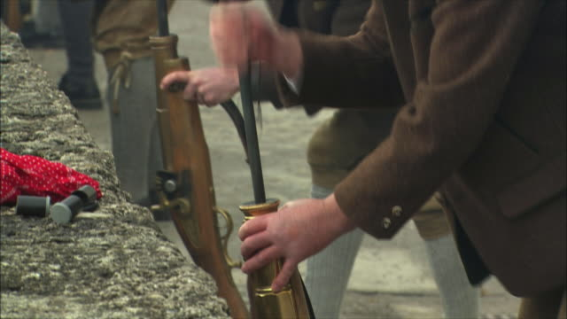 cu tu men using ramrods, cleaning and loading guns, christmas gun salute at hohensalzburg fortress / salzburg, austria - traditionally austrian stock videos & royalty-free footage