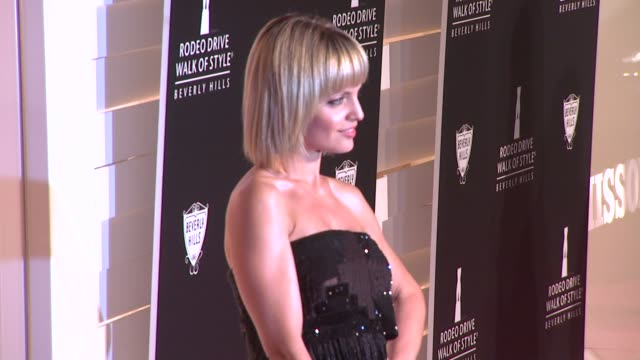 mena suvari at the iman and missoni honored with rodeo drive walk of style at beverly hills ca - missoni stock videos & royalty-free footage