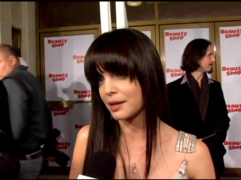mena suvari on being part of the beauty shop female cast and her character joanne marcus, in the film and on working with queen latifah at the... - mann national theater video stock e b–roll