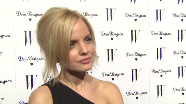 mena suvari on what brings her out tonight at the w magazine celebrates the best performances issue and the golden globe awards at los angeles ca. - mena suvari stock videos & royalty-free footage