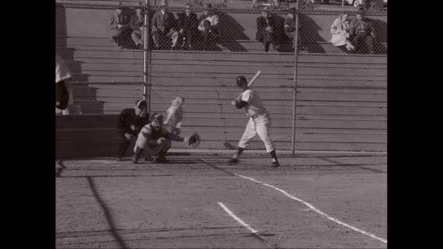 ms men's playing baseball match / united states  - guanto indumento sportivo protettivo video stock e b–roll