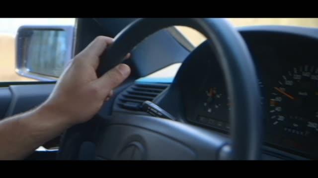 vídeos y material grabado en eventos de stock de mercedes-benz 500 - dashboard - velocimetro