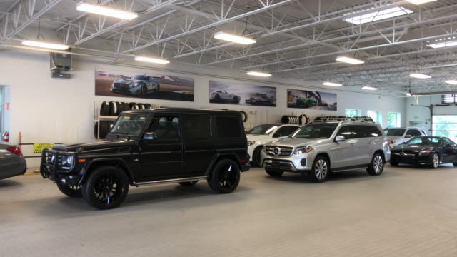 mercedesbenz dealership in nashvilletennessee usa amid the 2020 global coronavirus pandemic - sports utility vehicle stock videos & royalty-free footage