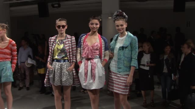 mercedesbenz fashion week spring 2010 peter som new york ny 09/16/09 - peter som marchio di design video stock e b–roll