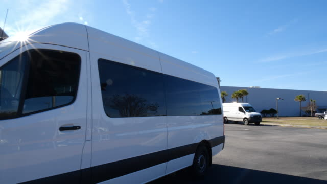 mercedes-benz vans, llc invested 500 million u.s. dollars in the construction of a new sprinter production plant in ladson, south carolina in... - parken stock-videos und b-roll-filmmaterial