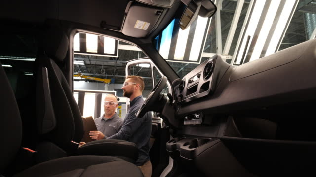 MercedesBenz Vans LLC invested 500 million US dollars in the construction of a new Sprinter production plant in Ladson South Carolina in addition to...