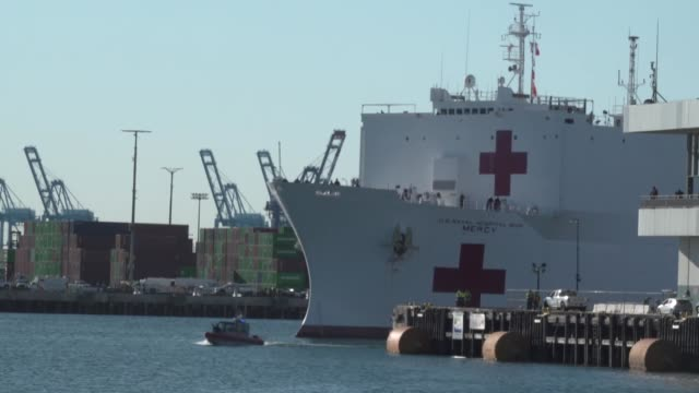 mercy arrives in the port of los angeles, united states on march 27, 2020 at 8:40 a.m. her mission is to provide relief for southern california... - port of los angeles stock videos & royalty-free footage