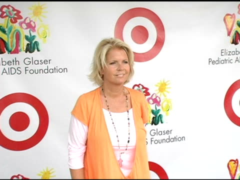 meredith baxter at the target 'a time for heros' celebrity carnival to benefit the elizabeth glaser pediatric aids foundation at the wadsworth... - アタイムフォーヒーローズ点の映像素材/bロール