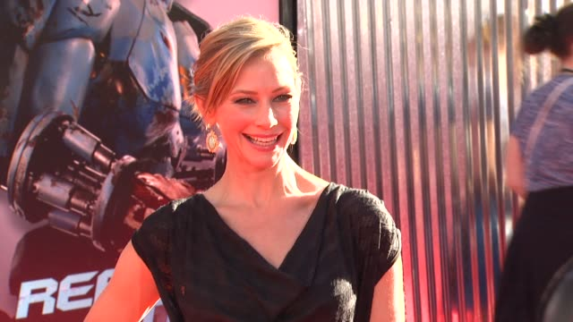 meredith monroe at the the world premiere of dreamworks pictures' 'real steel' at universal city ca. - universal city stock videos & royalty-free footage