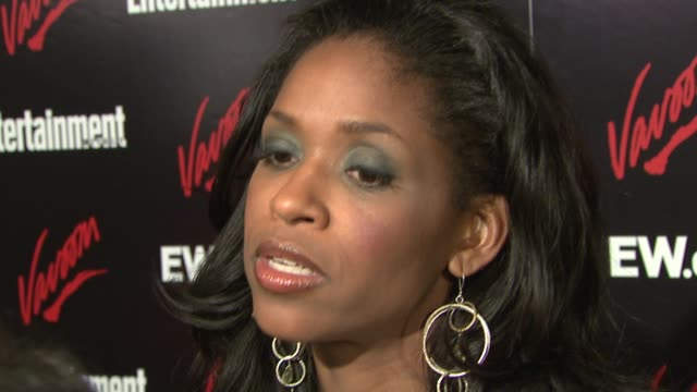 stockvideo's en b-roll-footage met merrin dungey at the upfront party hosted by entertainment weekly and vavoom at the box in new york, new york on may 15, 2007. - entertainment weekly