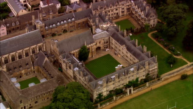 aerial, merton college, oxford, england - oxford oxfordshire stock-videos und b-roll-filmmaterial
